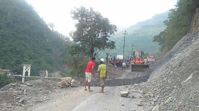 नारायणगढ–मुग्लिन सडक एकतर्फी सञ्चालनमा