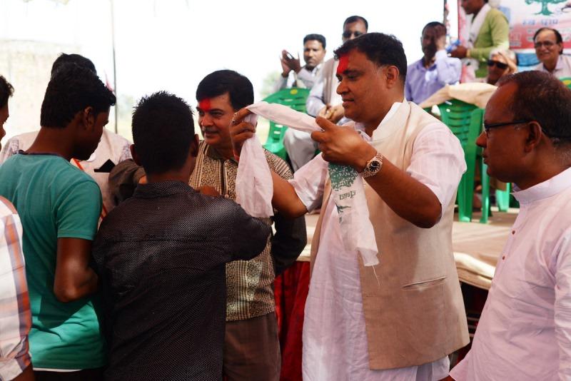 बीरगञ्जमा ५ सय नेता कार्यकर्ता काँग्रेसमा प्रवेश, रुंगटाले भित्र्याए