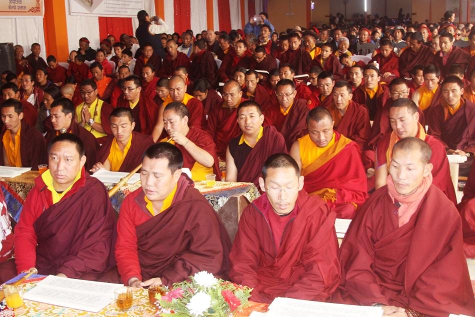 तिनचुलीमा बौद्ध लामा पुजा सुरु