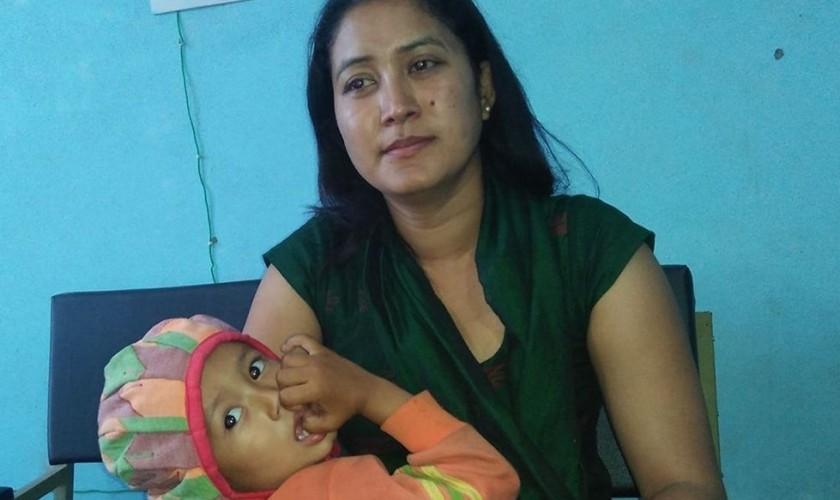 डीएसपी पत्नी छोरासहित घर निकाला