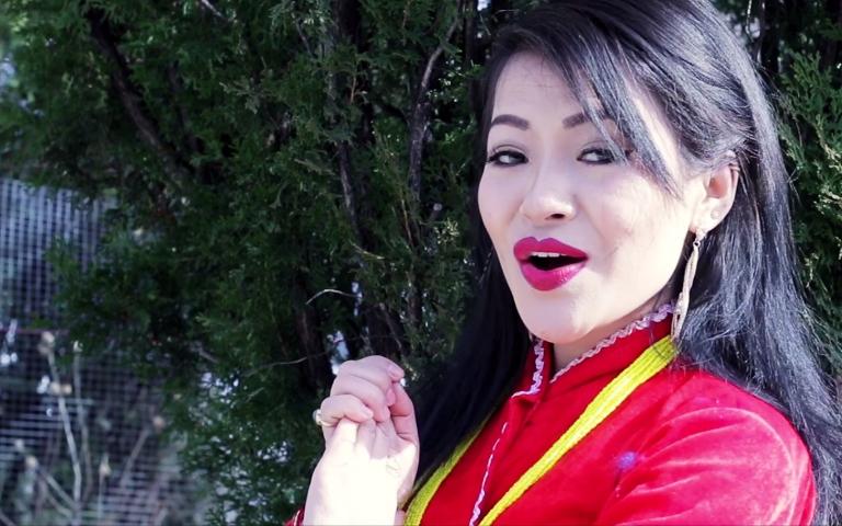 न्यूयोर्क बाटै आयो गायिका यशोधा खालिङ राईको चौरी