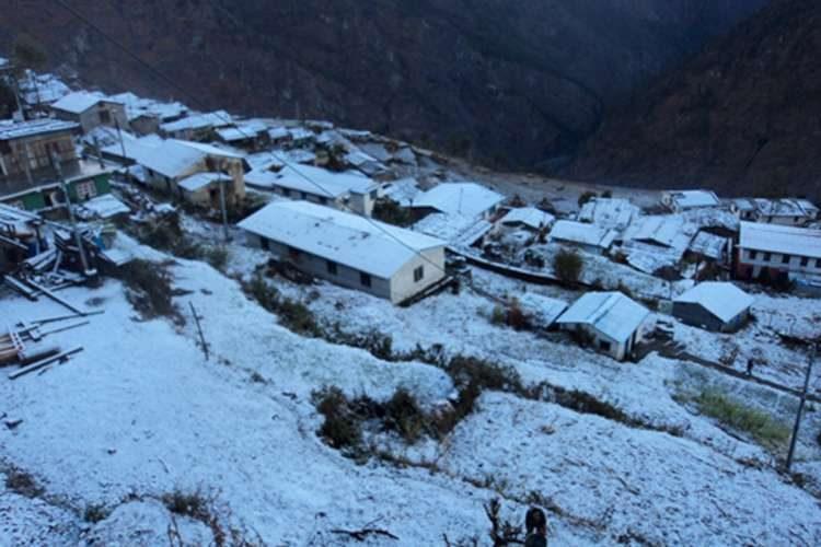 हिमपातको पीडा : लिमी गाउँ पाँच महिनाका लागि बन्द