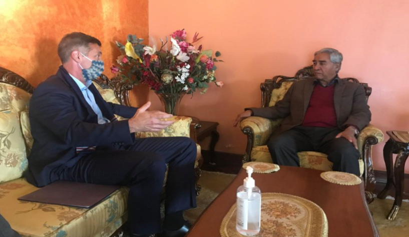 काँग्रेस सभापति देउवासँग अमेरिकी राजदुत बेरीको भेटवार्ता